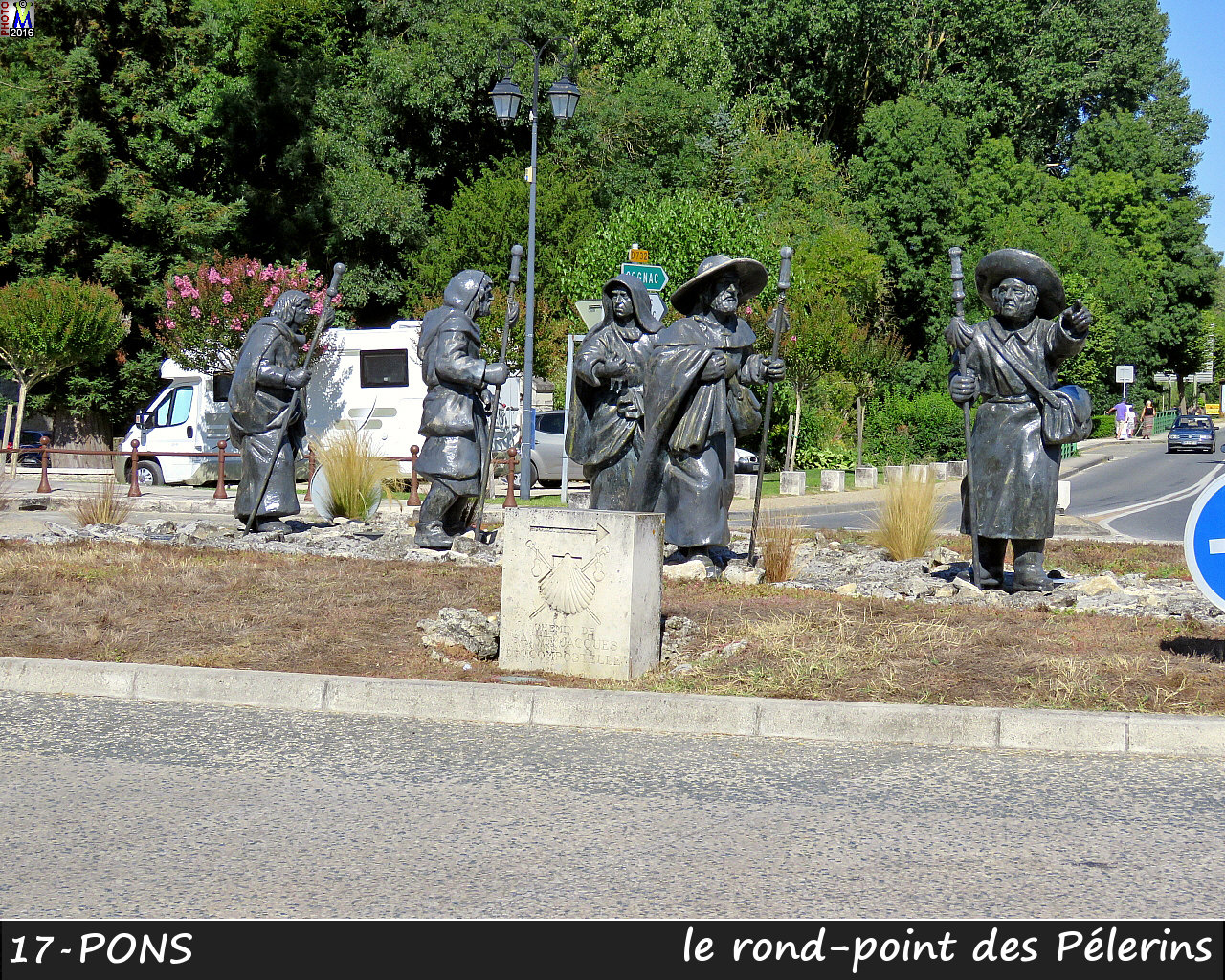 17PONS_Rond-point_1002.jpg