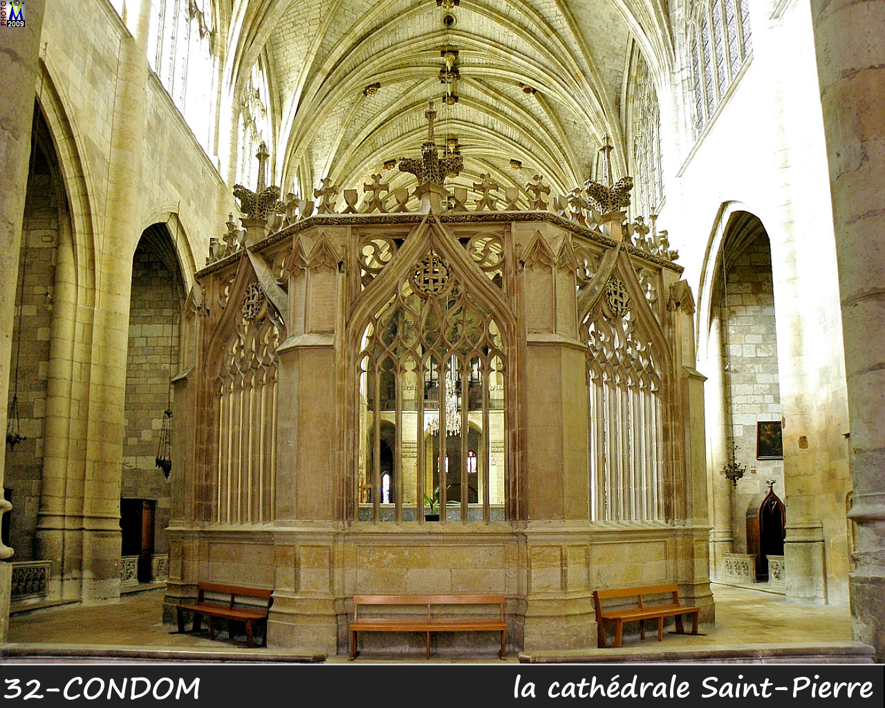32CONDOM_cathedrale_220.jpg