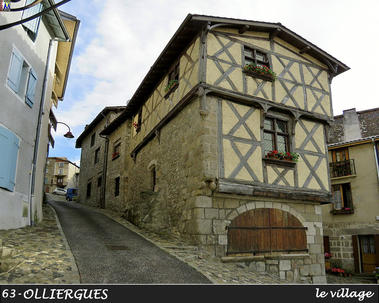 63OLLIERGUES_village_148.jpg