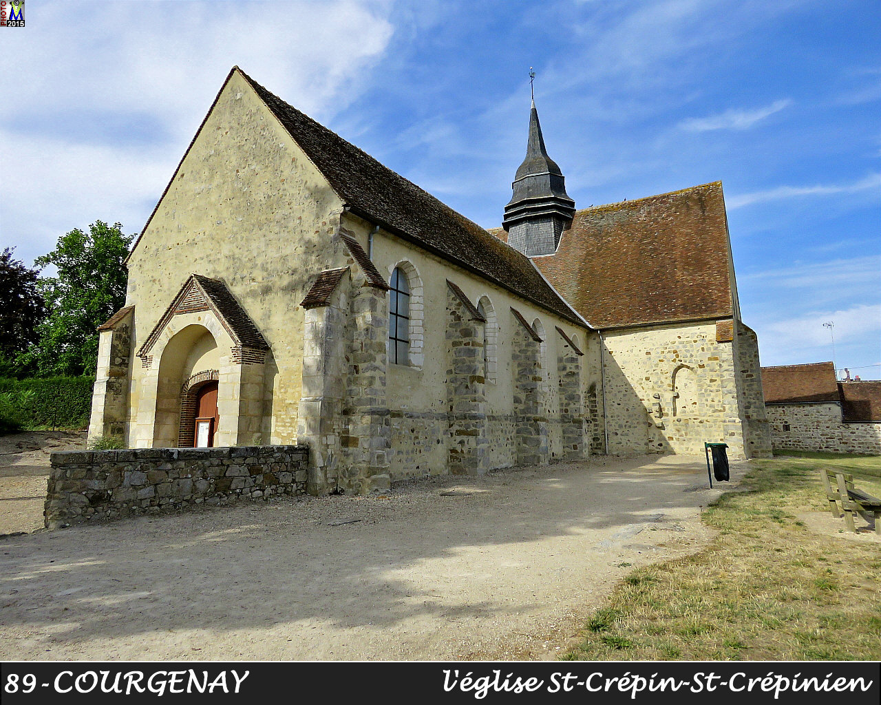 89COURGENAY_eglise_100.jpg